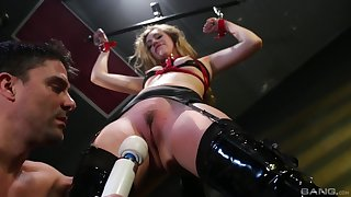 Lyra Law blowing hard friend's cock before an strong orgasm