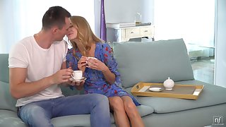 Dude knows how to start his day off right and his pretty GF loves to fuck