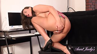 Hot MILF Lara - Office High Heels Solo