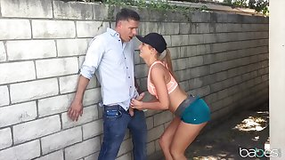 Deepthroating doll Daisy Stone procures the big peen she needed
